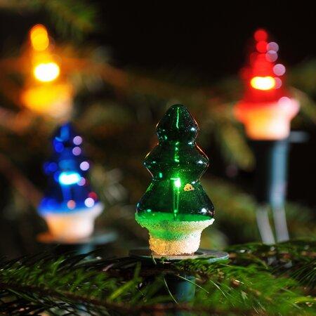 Svetelná reťaz Stromček farebná, 12 žiaroviek