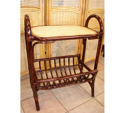 Ratanový stolek na telefon