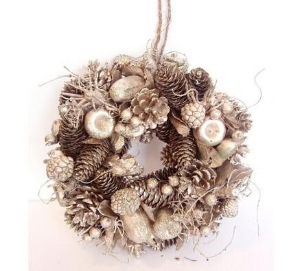 Dekorativní vánoční věnec