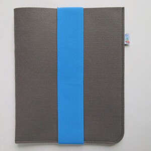 Pouzdro na tablet s modrou gumičkou