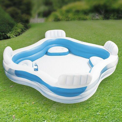 Bazén so sedadlami