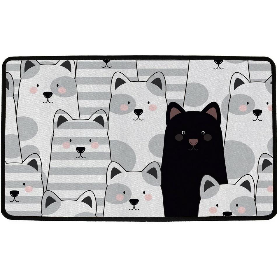 černá tlustá dámská kočička