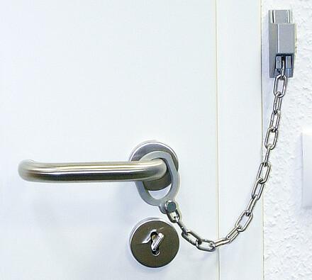Bezpečnostní řetěz na dveře