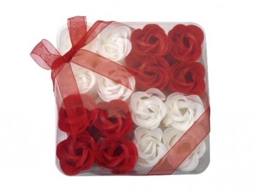 Dekorativní mýdlové květy červené