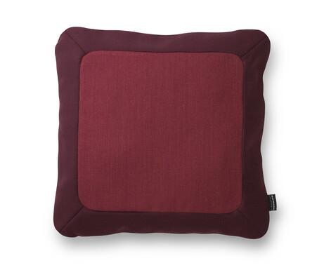Polštářek Frame 50 x 50 cm, tmavě červený