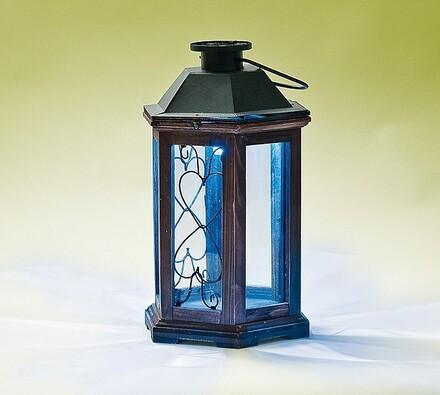 Solární lampa z tmavého dřeva