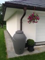 Sud na dažďovú vodu Garden Amfora sivá