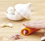 Dóza česnek a loupač česneku