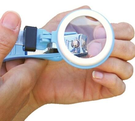 Štípací kleště na nehty se zvětšovací lupou