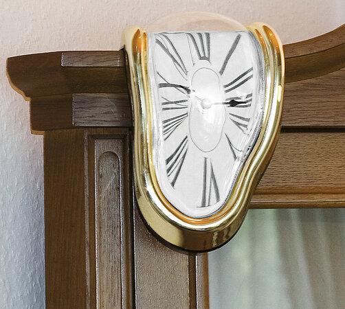 Dekorativní hodiny, zlatá