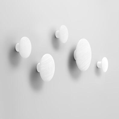 Věšák The Dots střední 13 cm, bílý