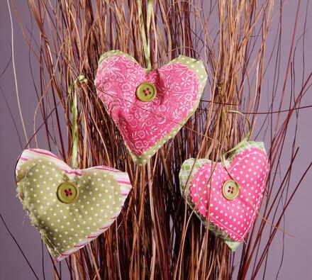 Textilné dekorácie srdiečka