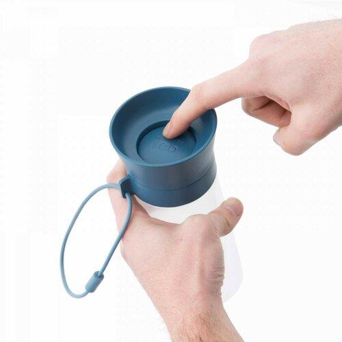 Berghoff Sklenená fľaša na vodu s pútkom LEO