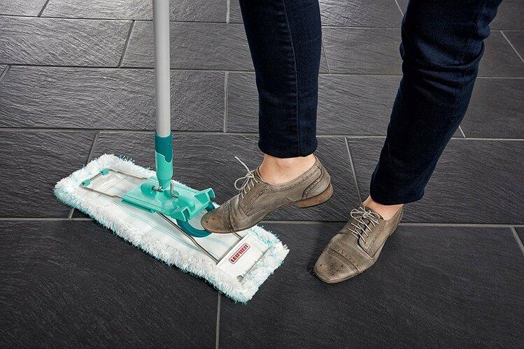 Leifheit Set profi pentru curăţenie găleată  Compact şi mop