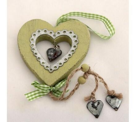 Dřevěné závěsné srdce zelené