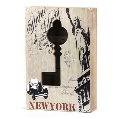 Skříňka na klíče socha svobody