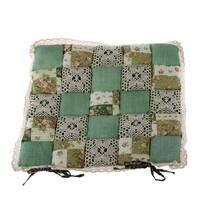 Prošívaný sedák Kostky zelená s krajkou, 40 x 40 cm
