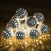Vianočná LED reťaz gule, strieborná