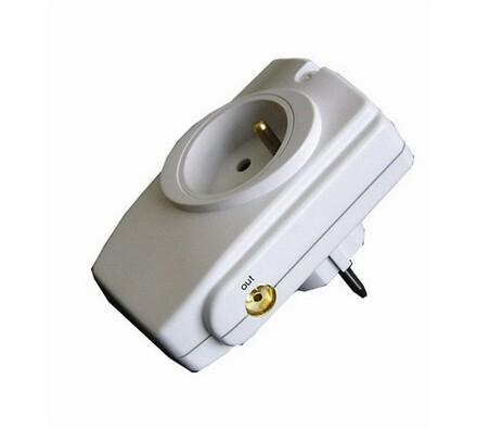 Solight Přepěťová ochrana do zásuvky bílá