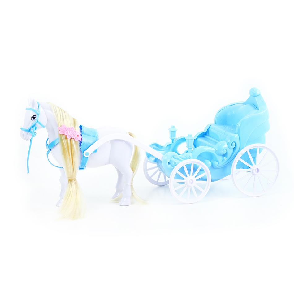 Fotografie kočár s koněm zimní království