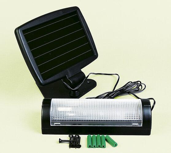 Solární světlo do garáže