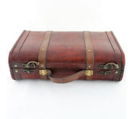 Dekorativní dřevěný kufr
