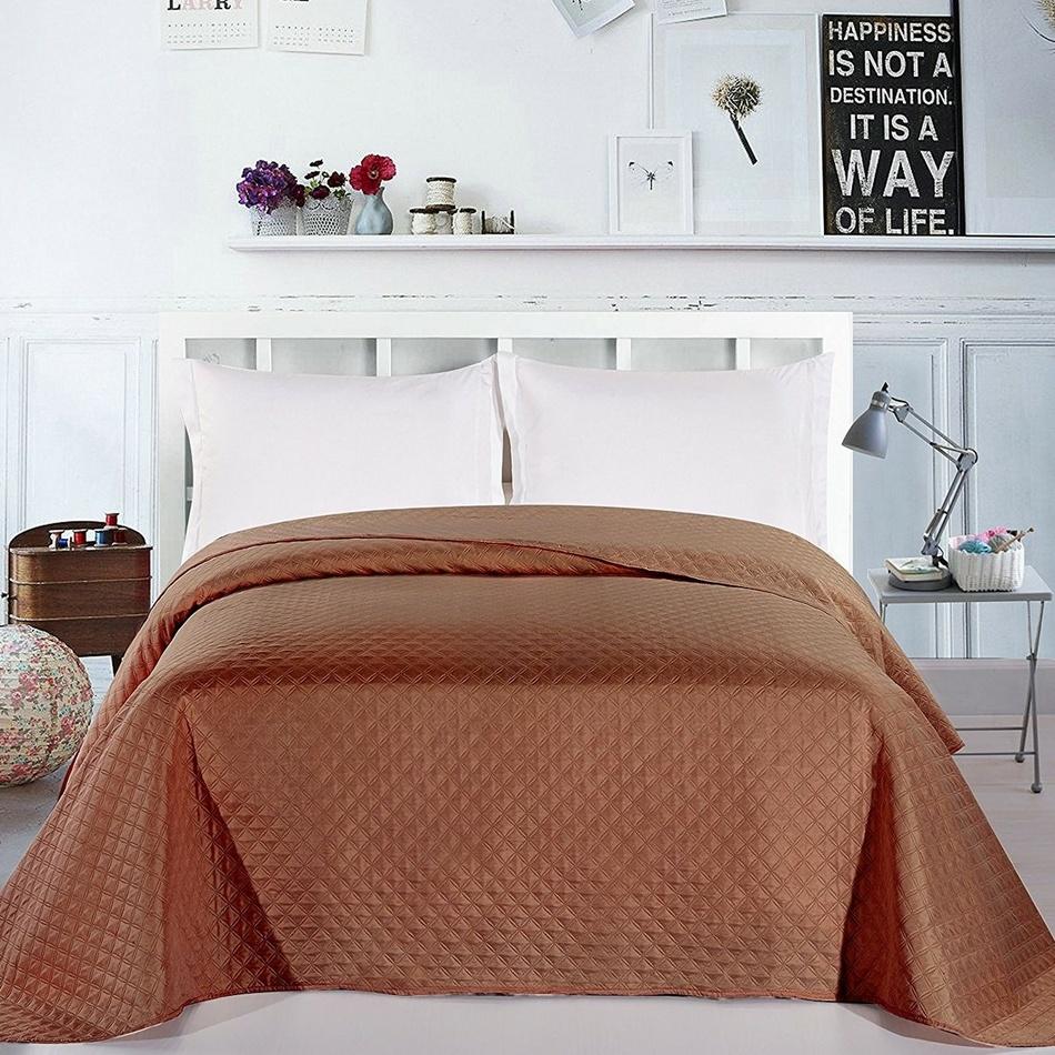 DecoKing Přehoz na postel Adam hnědá, 220 x 240 cm
