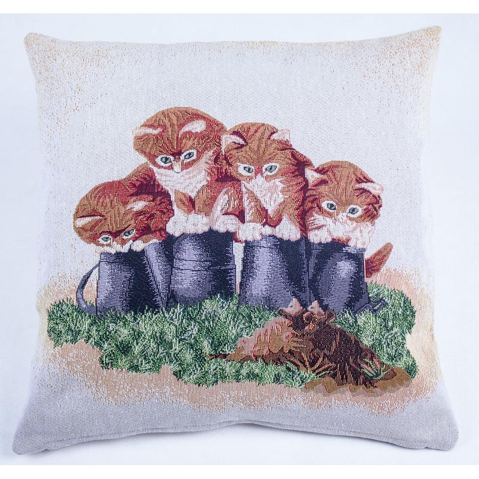BO-MA Trading Vánoční povlak na polštářek 4 kočky, 45 x 45 cm