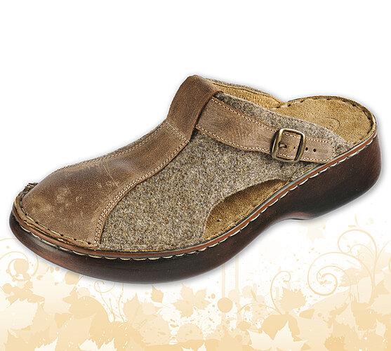 Dámske papuče s plnou špičkou a nastaviteľným pásikom, hnedá, 40