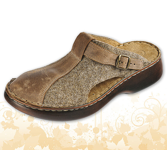 Dámske papuče s plnou špičkou a nastaviteľným pásikom, hnedá, 38
