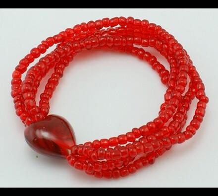 Dámský náramek z červených perliček