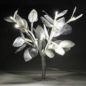 Svíticí stromeček se stříbrnými lístky, 20 LED