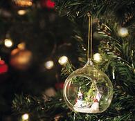 Vánoční ozdoba s figurkami, transparentní, pr. 8 cm