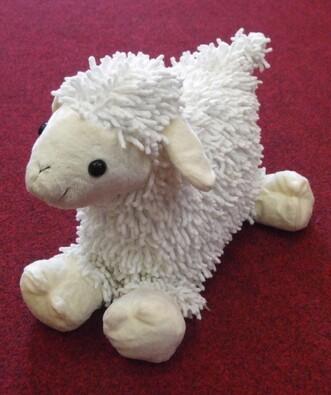 Trojrozměrný polštářek ve tvaru ovečky APEX 40x40 , bílá