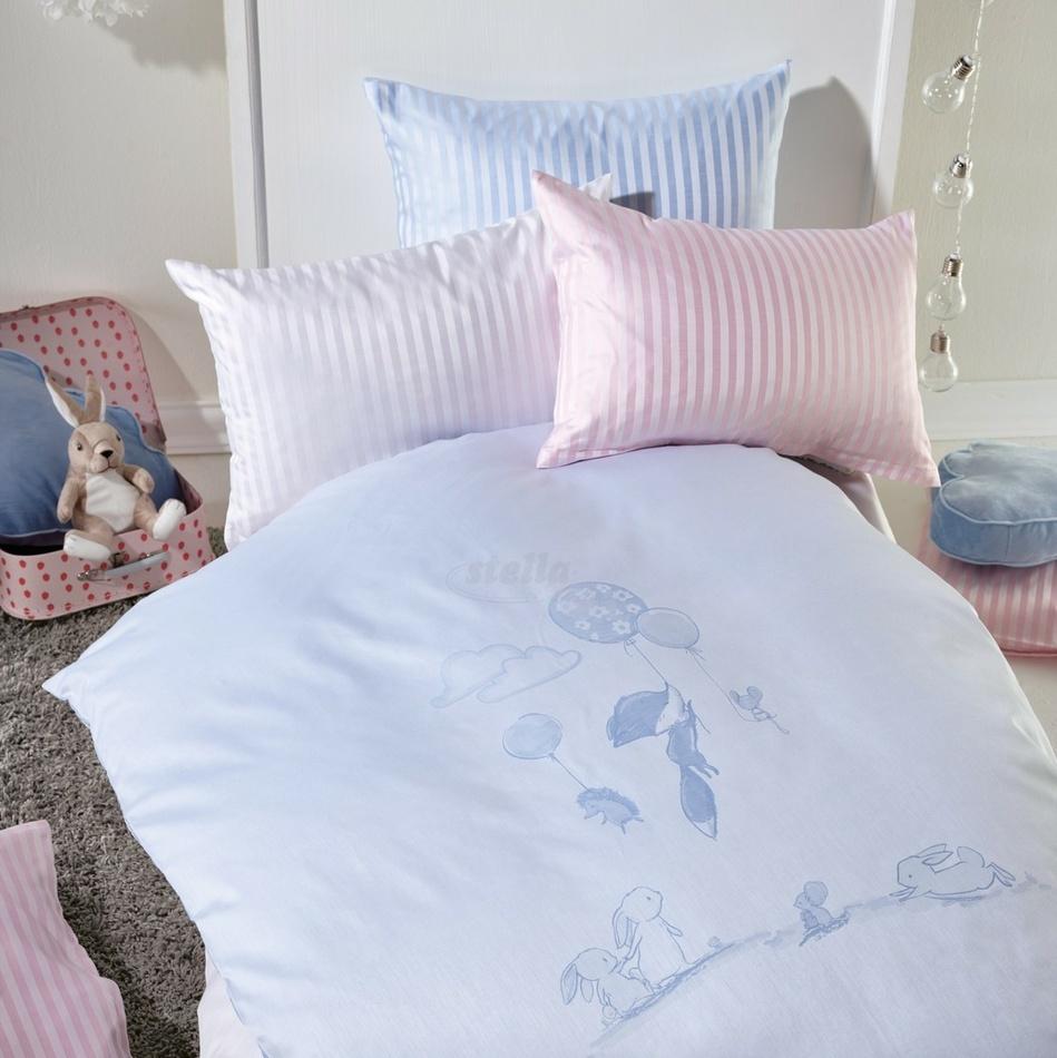 Stella Ateliers Detské damaškové obliečky do postieľky Oskar Abenteuer modrá, 100 x 135 cm, 40 x 60 cm