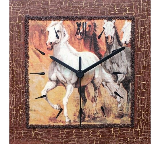 Dekoratívne nástenné hodiny Kone v kluse