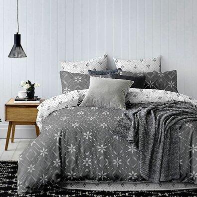 DecoKing Povlečení Hypnosis Snowynight šedá, 140 x 200 cm, 70 x 90 cm