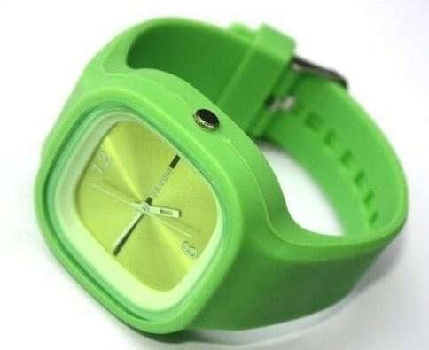 Silikonové hodinky analogové, zelená