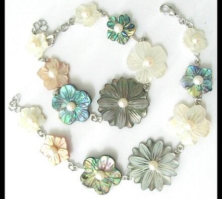 Dámský náramek s květy, 18,5 cm