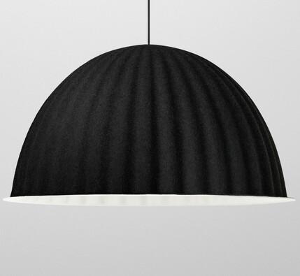 Závěsná lampa Under The Bell 82 cm, černá