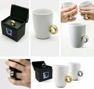 Porcelánový hrníček s prstenem