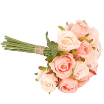 Sztuczna wiązanka róż, jasnoróżowy
