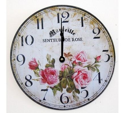 Nástěnné hodiny s jemnými růžemi