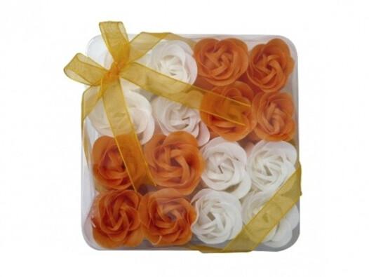 Dekorativní mýdlové květy oranžové
