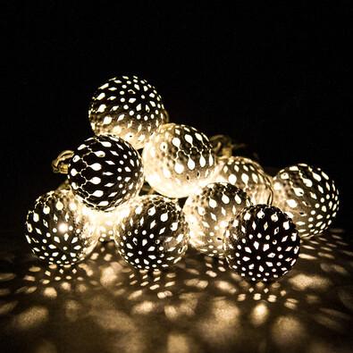 LED fényfüzér 10 fém gömbbel, fehér