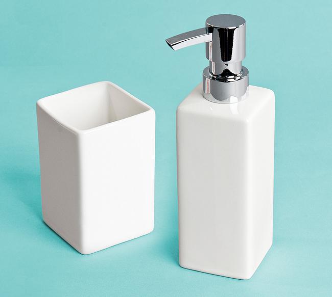 Sada dávkovače na mýdlo a kelímeku bílý