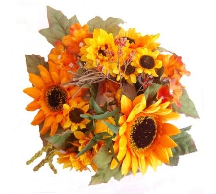 Umělý věnec slunečnic a hortenzií