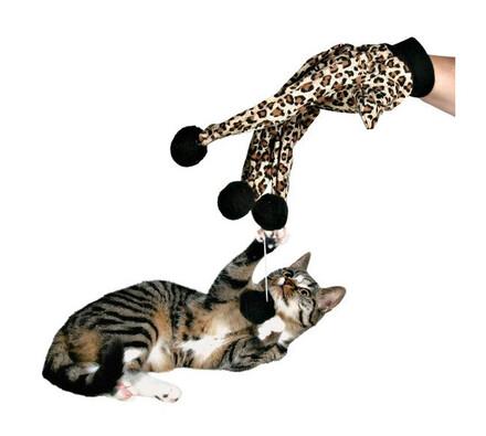 Škádlící rukavice pro kočky
