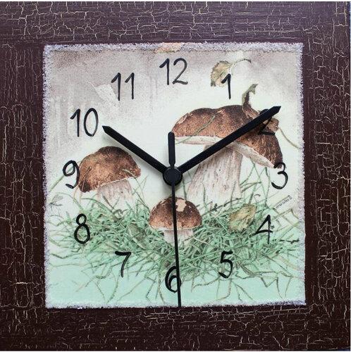 Nástenné hodiny s hubami