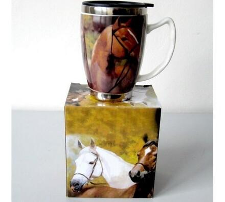 Porcelánový hrníček kůň v dárkové krabičce, vícebarevná